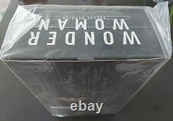 1/6 Hot Toys MMS 451 Justice League Wonder Woman (Deluxe Version)New Sealed Box