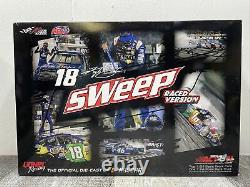 Kyle Busch 2017 Bristol Sweep Raced Version Diecast Set 1/24 New Open Box